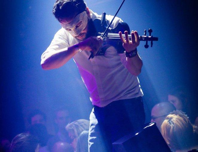 Renato Marquez, Ollin Kan viool, tomorrowland, act, TML winter summer festival dance live act Hofnar