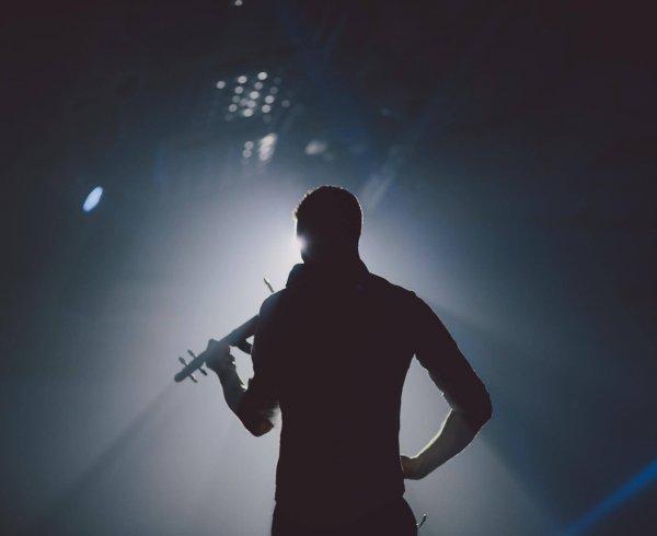 Bavo Meeus Violinvasion Live Viool Tomorrowland Hofnar Agency Booking Act Sax