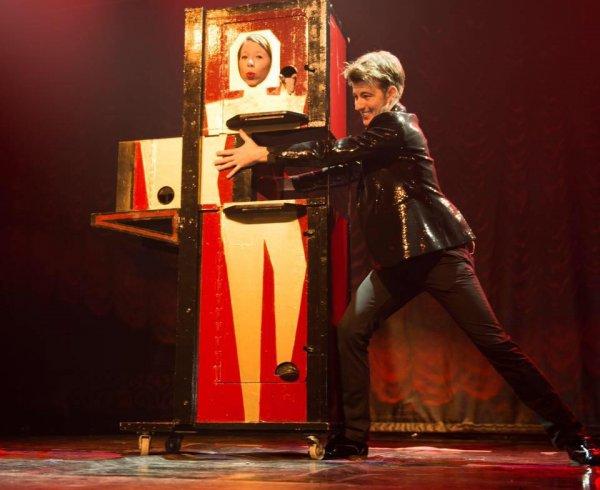 magic tricks act goochelen toveren live
