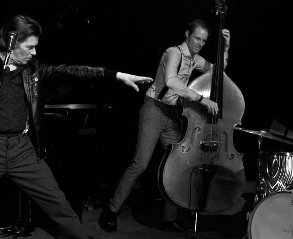 Swinging Floyd Trio, rock n rollband, trio, drum, contrabas, piano